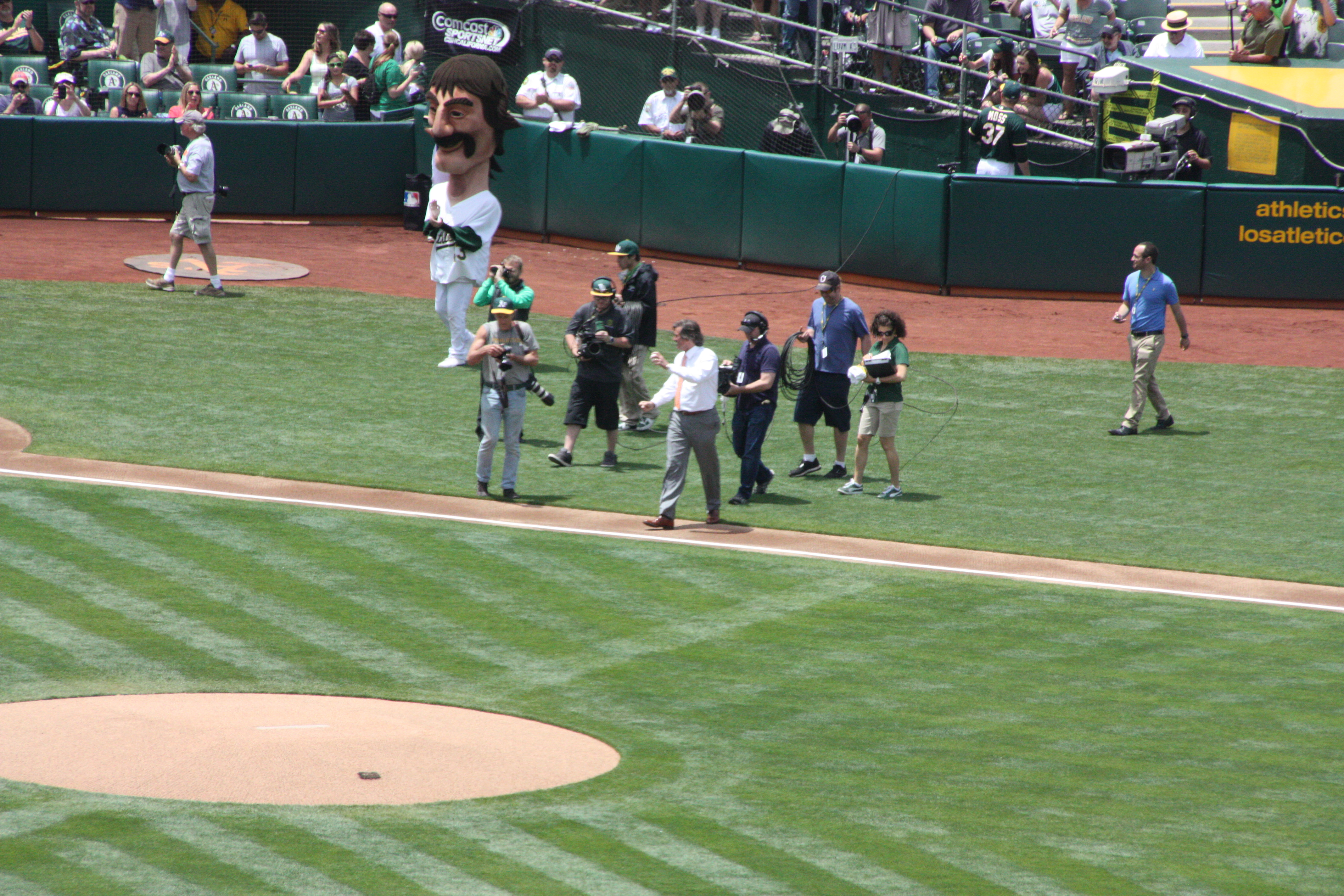 Hall of Famer first pitch